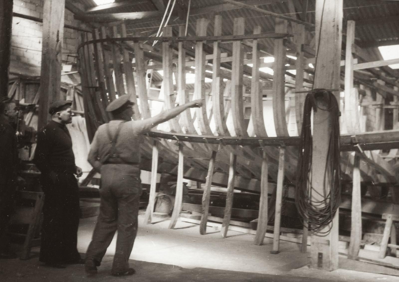 """La """"Fleur des Ondes"""" dans les Chantiers Rolland de Primel (Le Diben) entre 1953 et 1956"""