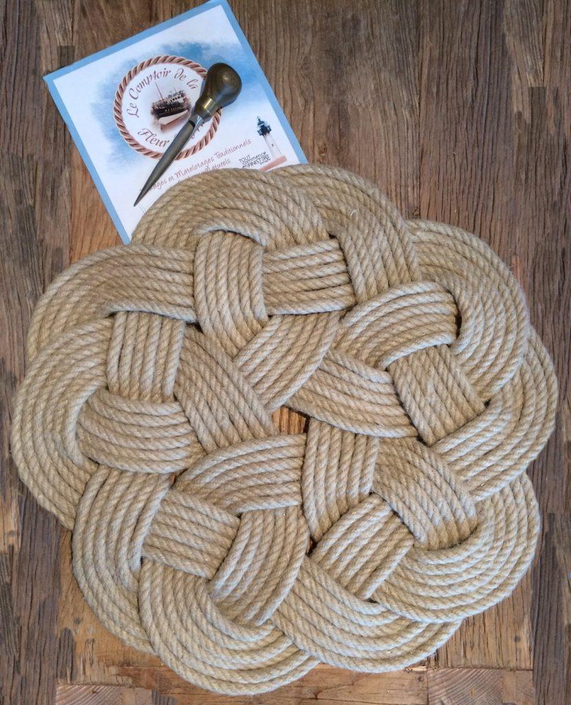 textiles-et-tapis-le-fleuron-des-nouages-plats-du-co-12250279-img-164422-d87f87f5-15636_big