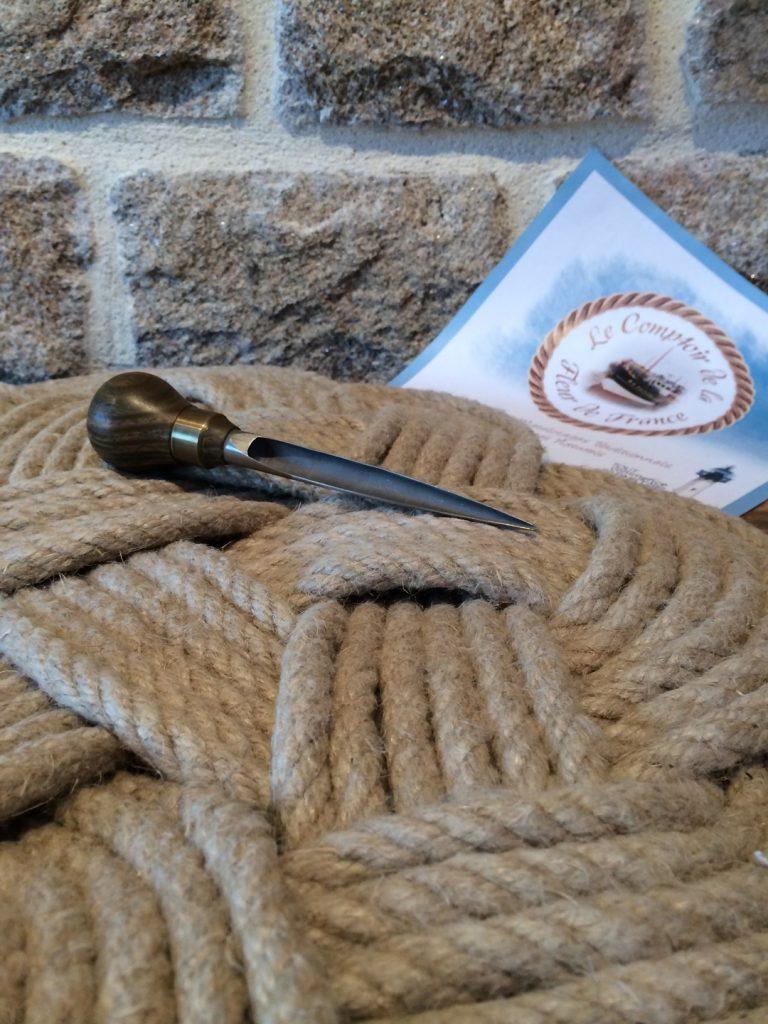 textiles-et-tapis-le-fleuron-des-nouages-plats-du-co-12250279-img-1649-3a95d-7e1f5_big
